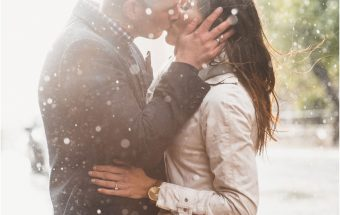 A rainy engagement shoot in Glasgow with Nicola & Scott